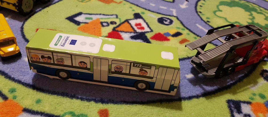 Papercraft bus Skawina